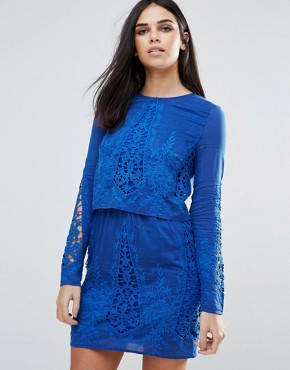 photo Long Sleeved Lace Tunic Dress by The Jetset Diaries, color Major - Image 1