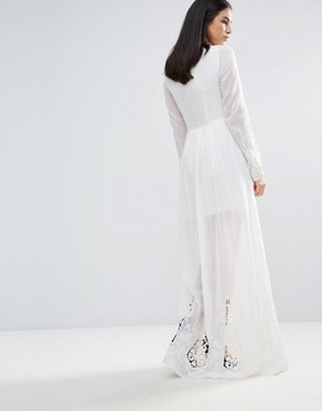 photo Lace Sleeve Maxi Dress by The Jetset Diaries, color Ivory - Image 2