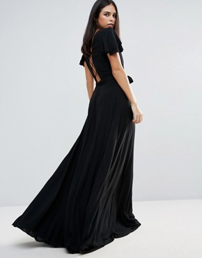 photo Lorenzo Deep V Neck Maxi Dress by The Jetset Diaries, color Black - Image 2