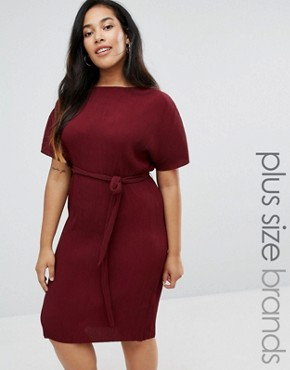 photo Plisse Belted Midi Dress by New Look Plus, color Red - Image 1
