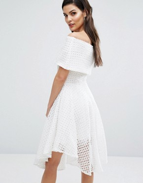 photo Broderie Anglaise Bardot Dress by The 8th Sign, color Ivory - Image 2