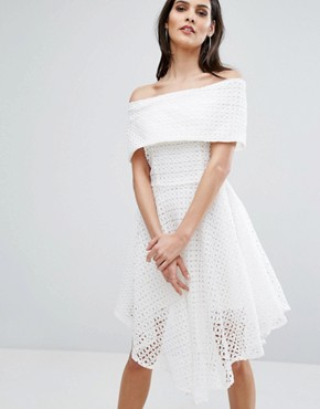 photo Broderie Anglaise Bardot Dress by The 8th Sign, color Ivory - Image 1