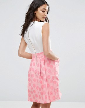 photo Contrast Jacquard Big Pocket Dress by Closet London, color White/Pink - Image 2
