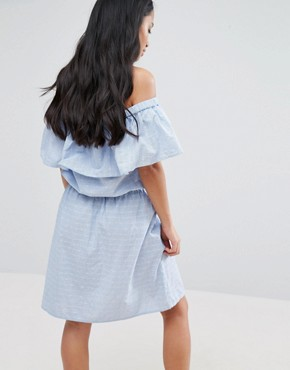 photo Ruffle Off The Shoulder Dress by Vero Moda Petite, color Blue - Image 2