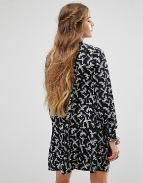 photo Shirt Dress In Bird Print by Glamorous, color Black Birdy - Image 2