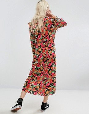 photo Midi Tea Dress in Bright Floral Print by STYLENANDA, color  - Image 2