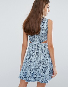 photo Chambray Cut-Out Dress by Madam Rage, color Blue - Image 2