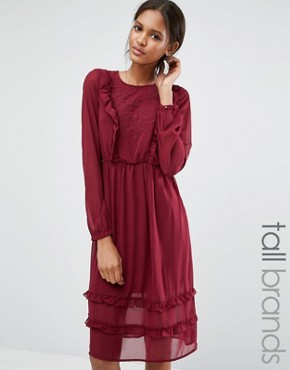 photo Ruffle Front Dress by Vero Moda Tall, color Burgundy - Image 1