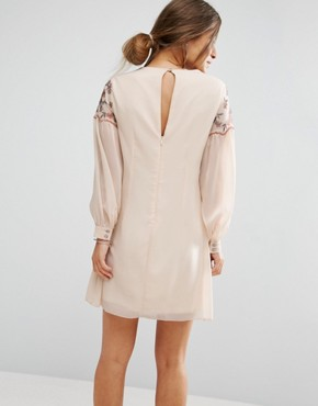 photo Floral Embroidered Mini Shift Dress by Little Mistress Petite, color Cream - Image 2