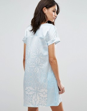 photo Short Sleeve Shift Dress by Traffic People, color White/Blue - Image 2