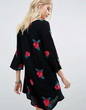 photo V Neck Swing Dress With Rose Embelishment by Honey Punch, color Black - Image 2