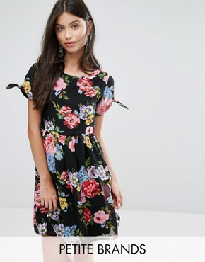 photo Skater Dress with Bow Sleeve In Floral Print by Yumi Petite - Image 1