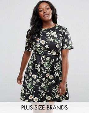 photo Skater Dress In Floral Print with Belt by Yumi Plus, color Black - Image 1