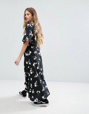 photo Wrap Front Midi Dress In Floral by Nobody's Child, color Black - Image 2
