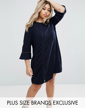 photo Fluted Sleeve Shift Dress by Truly You, color Navy - Image 1