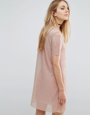 photo Metallic Plisse T-Shirt Dress by Pull&Bear, color Rose Gold - Image 2
