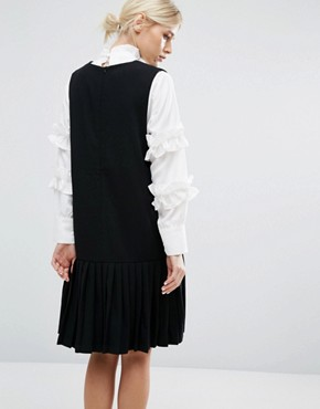 photo Sleeveless Shift Dress with Pleated Hem by Zacro, color Black - Image 2