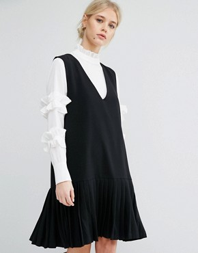 photo Sleeveless Shift Dress with Pleated Hem by Zacro, color Black - Image 1