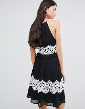photo Midi Dress with Contrast Lace Detail by Endless Rose, color Black - Image 2