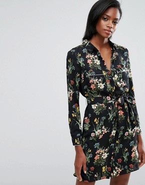 photo Floral Print Pyjama Shirt Dress by Oasis, color Black - Image 1