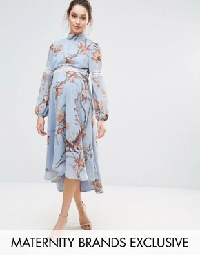 photo Bird Print Lace Insert Midi Dress by Hope & Ivy Maternity, color Blue - Image 1