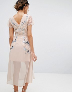 photo Embroidered Panelled Midi Dress by Frock and Frill, color Peach - Image 2