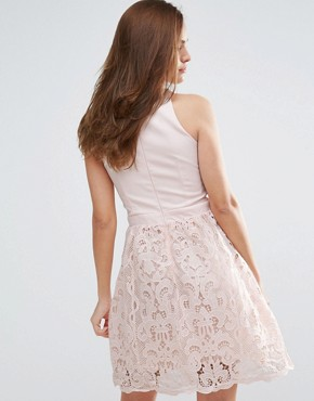 photo Scallop and Crochet Mini Dress by Little Mistress, color Nude - Image 2