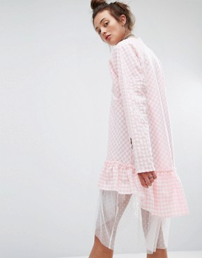 photo Dress In Gingham with Patches by The Ragged Priest, color Pink - Image 2