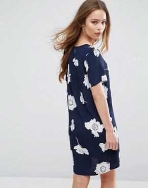 photo Isabella Flower Print Shift Dress by Pieces, color Navy - Image 2