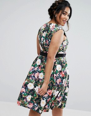 photo Floral Printed Sweetheart Prom Dress by Paper Dolls Plus, color  - Image 2