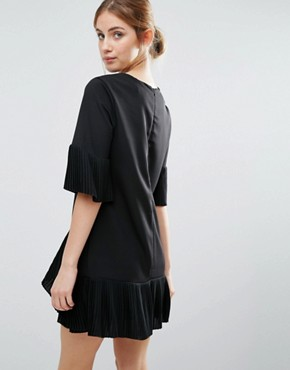 photo Pleat Detail Dress by The English Factory, color Black - Image 2
