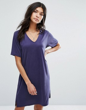 photo Polo V Neck Dress by Current Air, color Navy - Image 1