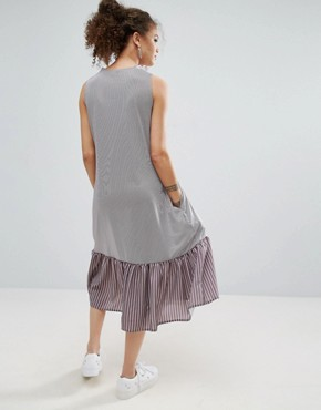 photo Midi Dress in Stripe with Contrast Woven Frill Hem by ASOS PETITE, color Grey - Image 2