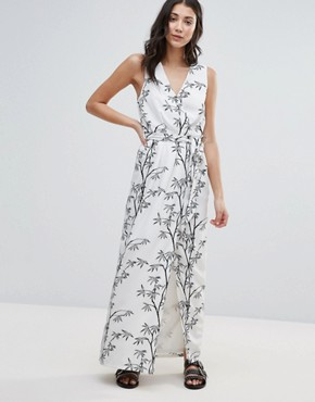 photo Bamboo Print Maxi Dress by Neon Rose, color White - Image 1