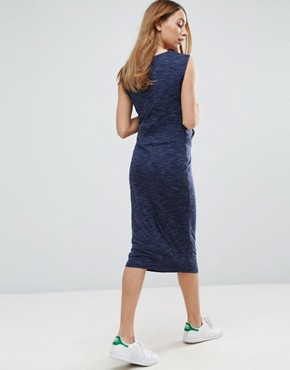 photo Wrap Midi Dress by New Look Maternity, color Blue - Image 2