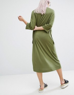 photo Oversized Midi T-shirt Dress by Monki, color Khaki - Image 2