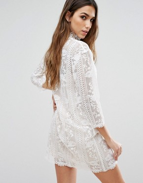 photo Table Maner High Neck Lace Dress by Jovonna, color White - Image 2