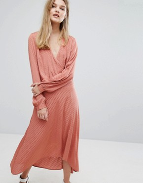 photo Nete Dress Jacquard Satin Dress by Gestuz, color Canyon Rose - Image 1