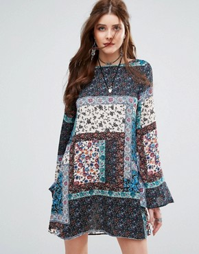 photo Patchwork Paisley Print Swing Dress by Missguided, color Blue - Image 1