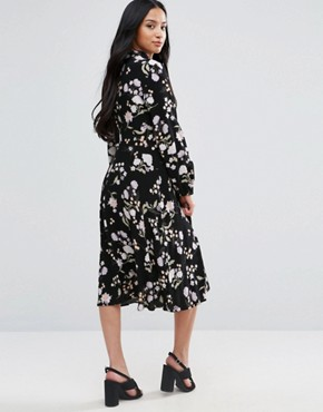 photo Floral Long Sleeve Midi Dress by New Look Petite, color Black - Image 2