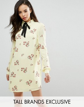 photo Floral Printed Long Sleeve Shift Dress with Bow Tie Detail by Fashion Union Tall, color  - Image 1