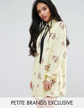 photo Floral Printed Long Sleeve Shift Dress with Bow Tie Detail by Fashion Union Petite, color  - Image 1