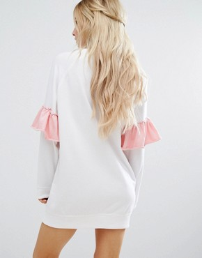 photo Contrast Frill Sleeve Sweat Dress by Missguided Petite, color White - Image 2
