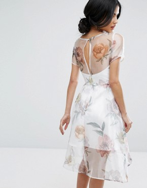 photo Organza Midi Dress In Overscale Floral by Chi Chi London, color Cream Print - Image 2