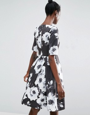 photo 3/4 Sleeve Floral Skater Dress by Traffic People, color Black/White - Image 2