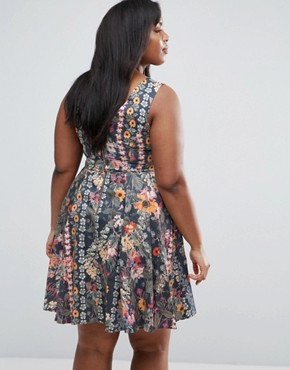 photo Skater Dress In Floral Print by Closet London Plus, color  - Image 2