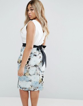 photo Pencil Dress In Floral Print by Closet London Plus, color  - Image 2