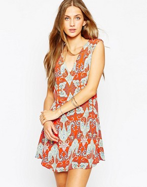 photo Paisley Print Dress with Tie Back by Mango, color Red - Image 1
