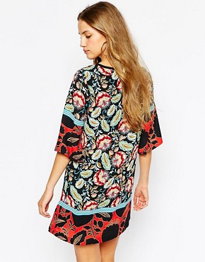 photo Kimono Sleeve Shift Dress in Lotus Flower Print by Mango, color Multi - Image 2