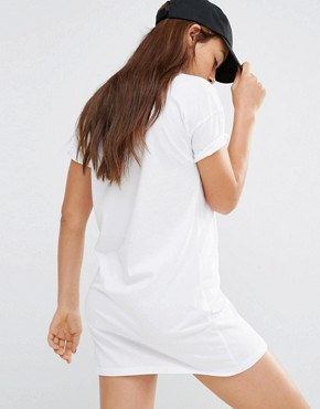 photo White Classic Logo T-Shirt Dress by Converse, color White - Image 2